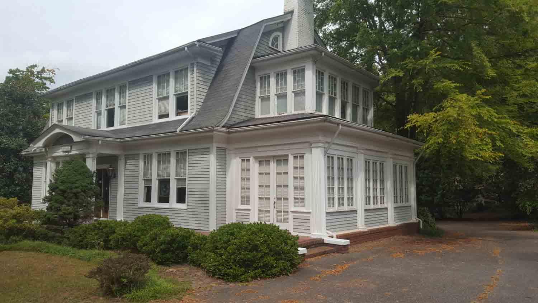 Barrie Bascomb Blackwelder House